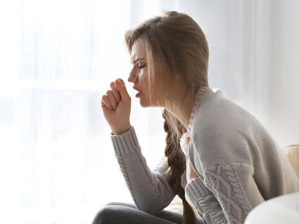 La tos seca: qué es y por qué se produce